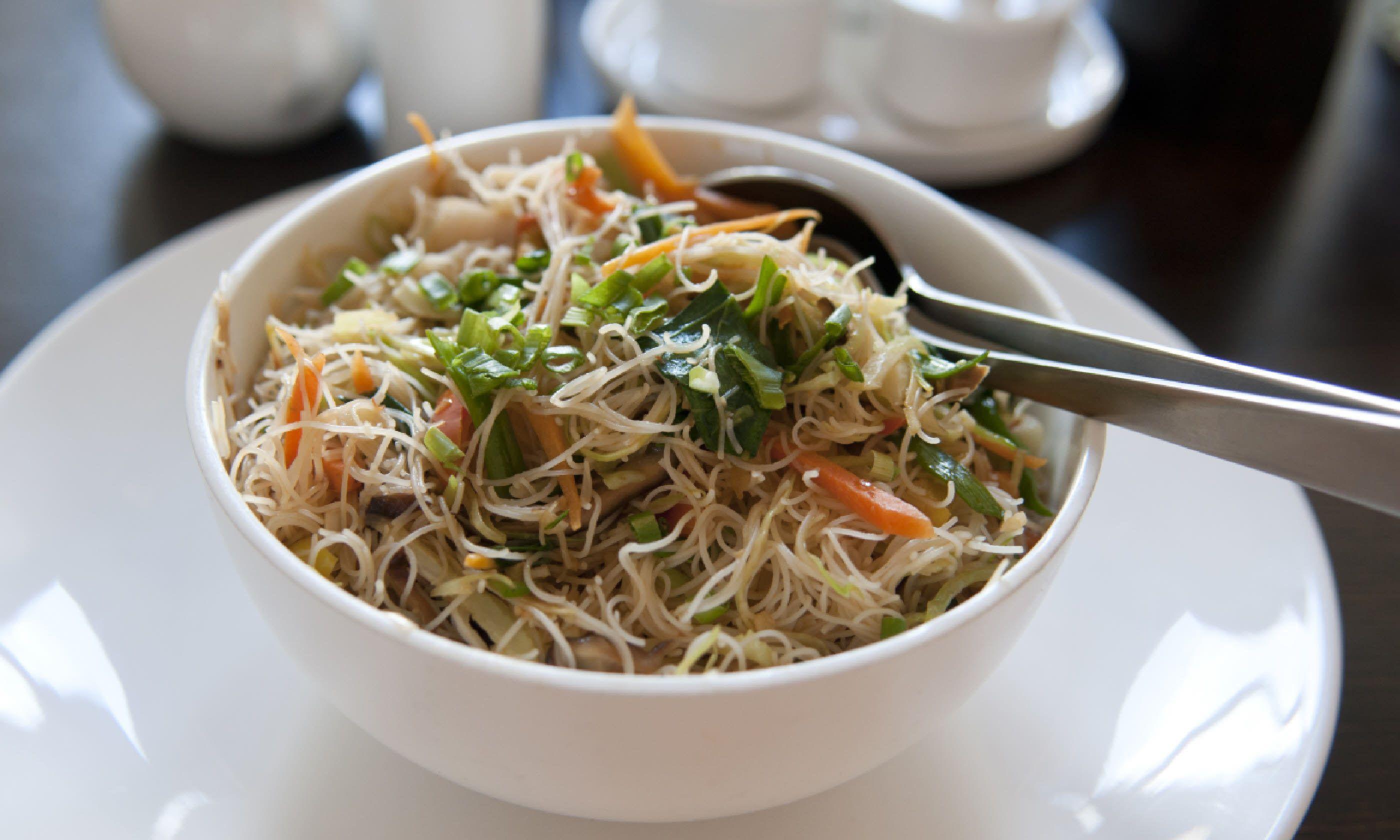 Longevity noodles (Shutterstock)