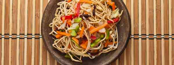China noodles with vegetables (Shutterstock)