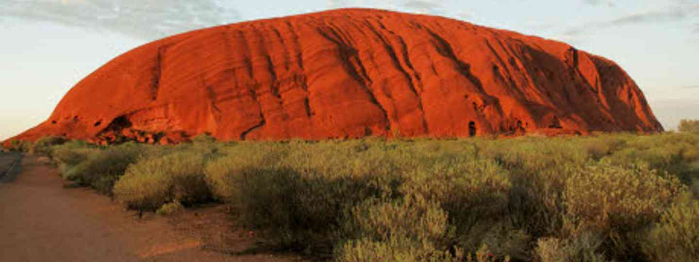 How to see Uluru and other travel classics on the cheap (dreamstime)