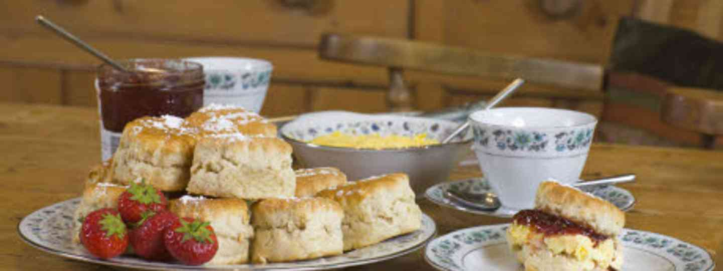 Clotted cream in Cornwall - just one of many foodie experiences (iStock)