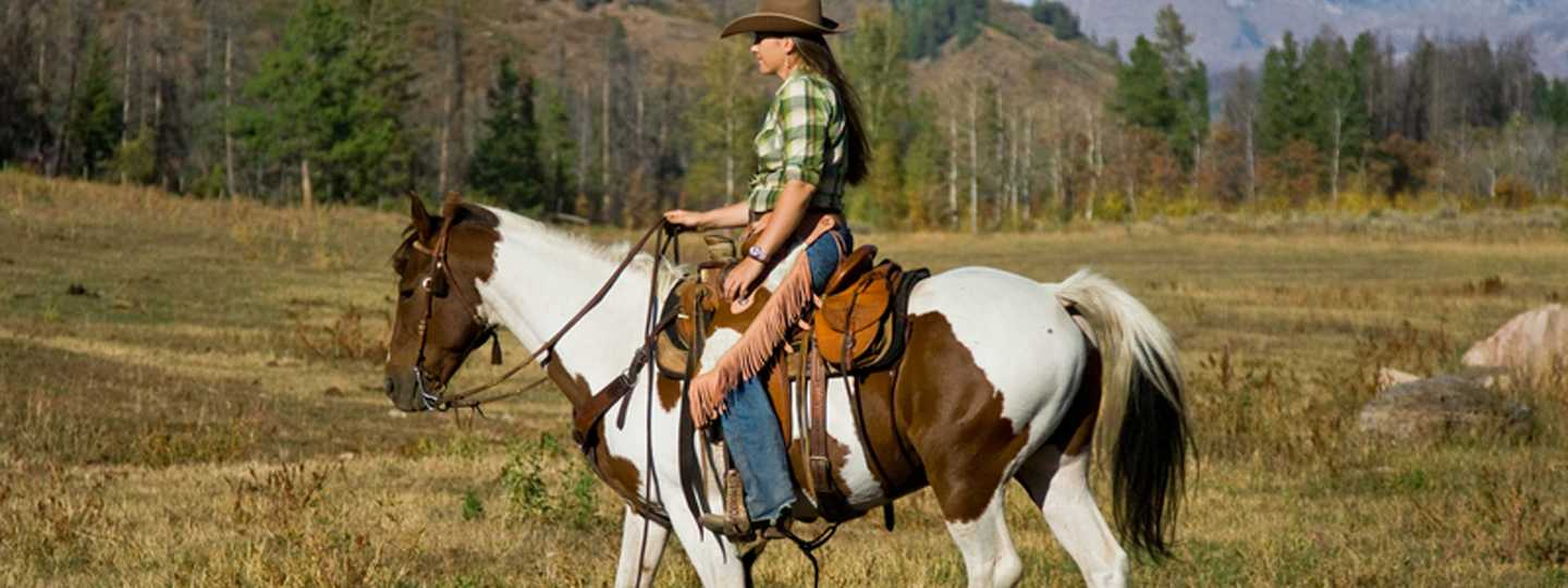 7 places to horse ride around the world wanderlust for Where to go horseback riding near me