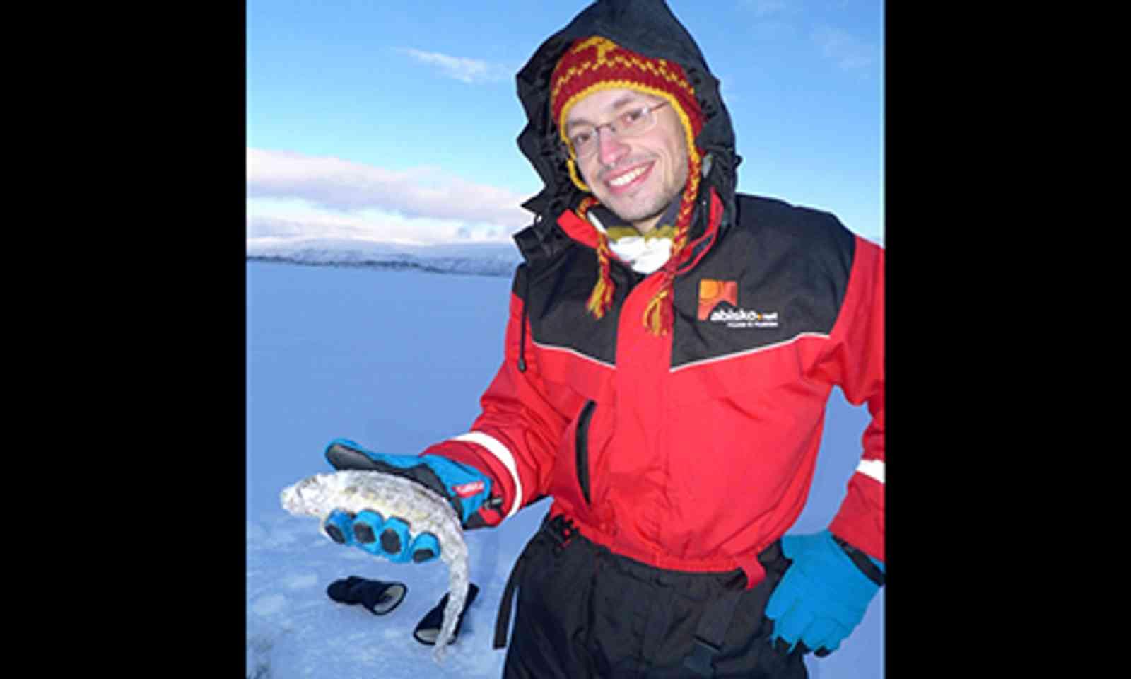 Ice Fishing (Abisko.net)