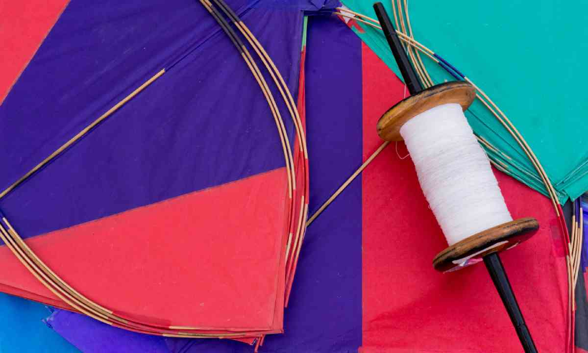 Paper kites and string used in the sport of kite fighting (Shutterstock)