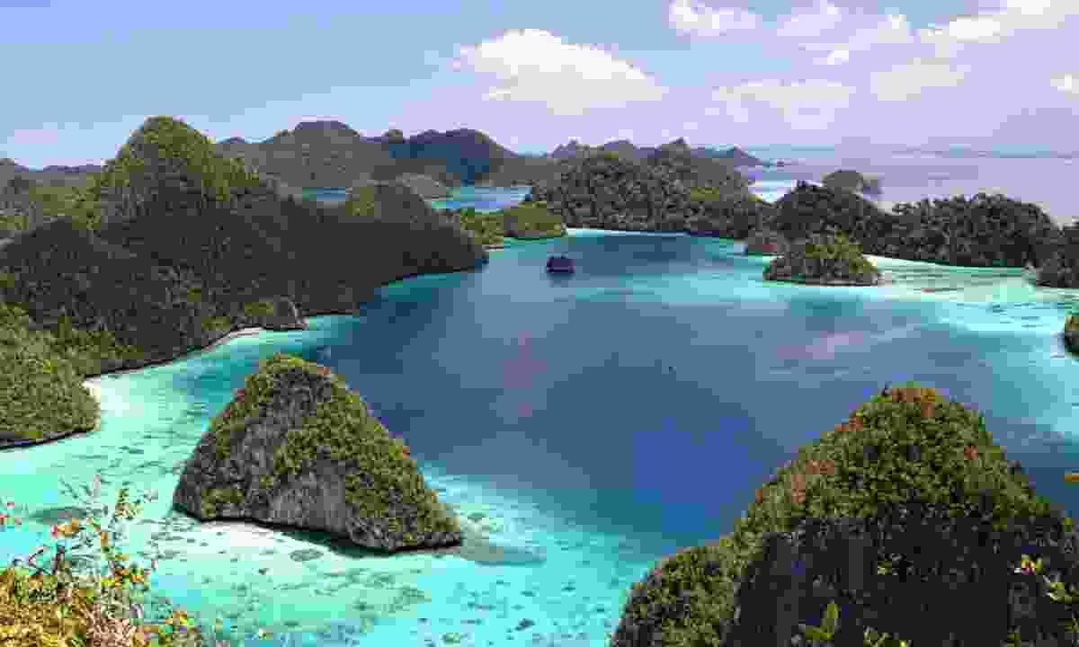 Wayag Island panorama, Raja Ampat (Shutterstock)