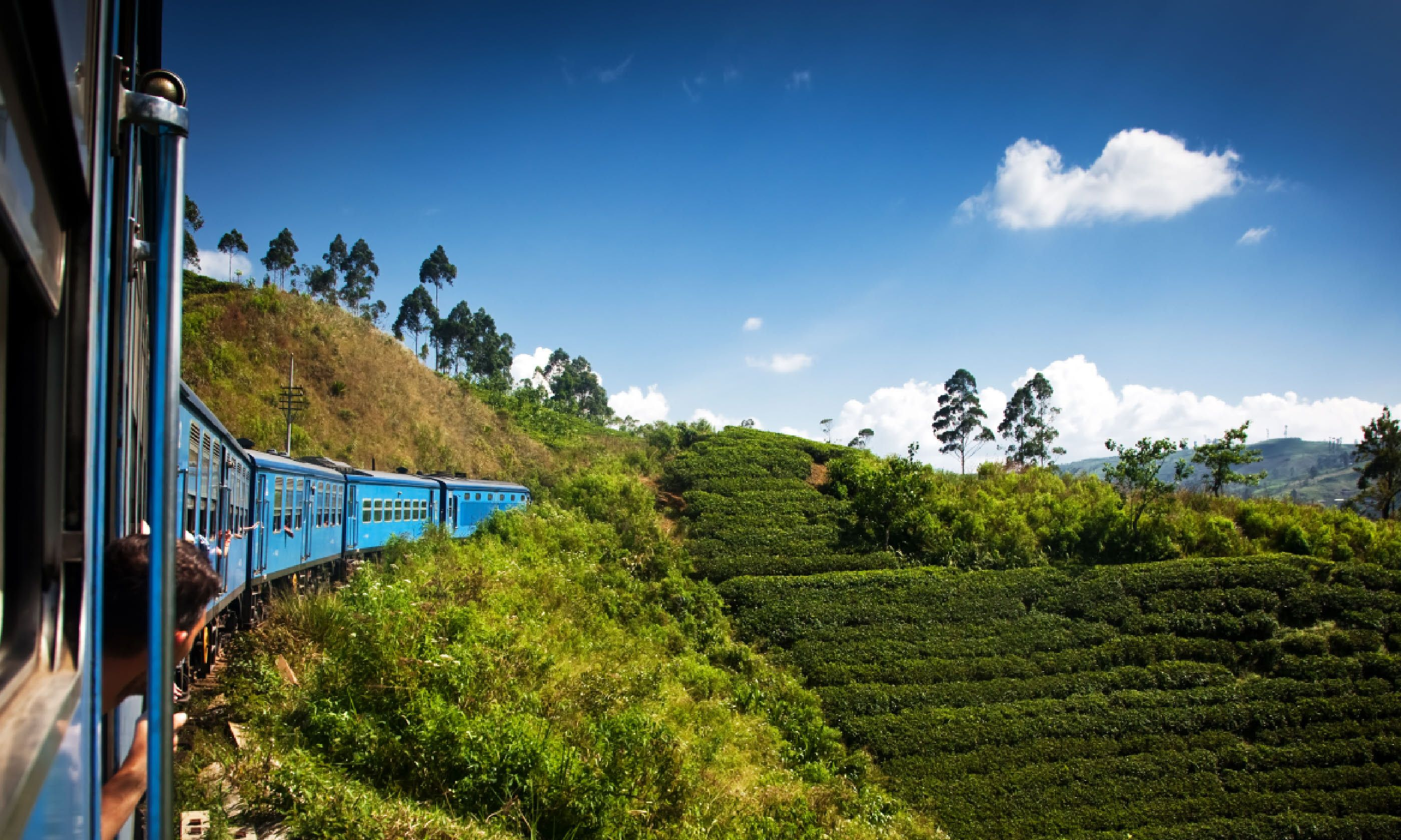 Train from Nuwara Eliya to Kandy (Shutterstock)
