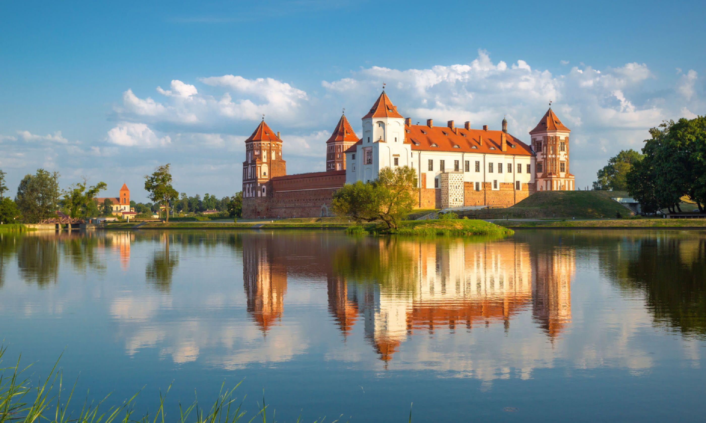 Medieval castle in Mir, Belarus (Shutterstock)