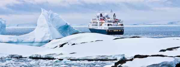 Big cruise ship in Antarctic waters (Shutterstock)