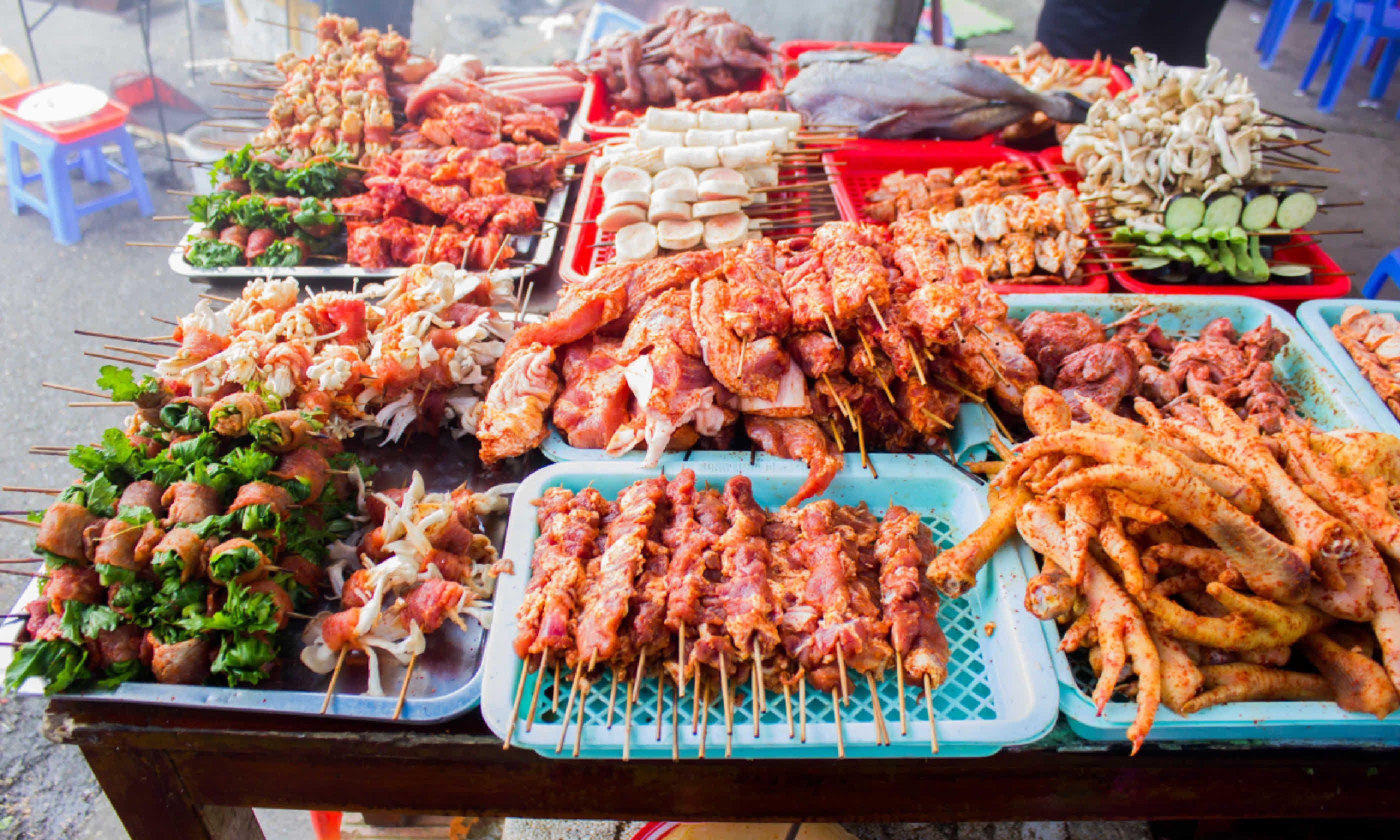 Vietnam bbq street food (Shutterstock)
