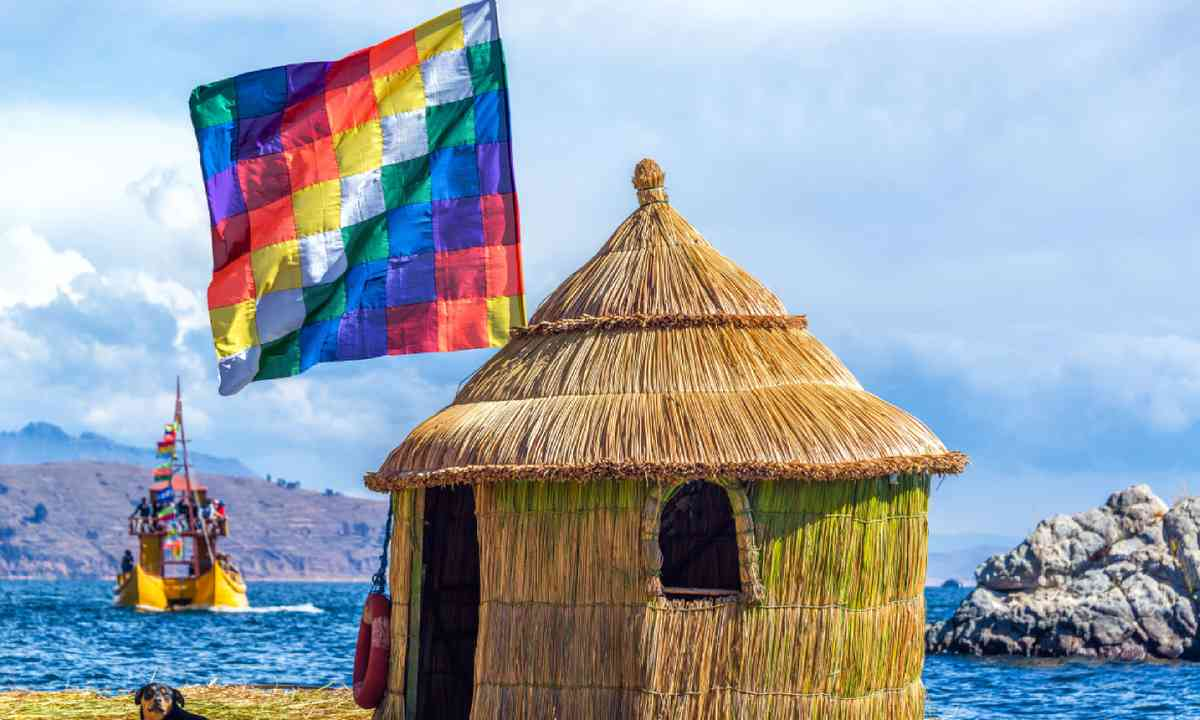 Floating island on Lake Titicaca (Shutterstock)