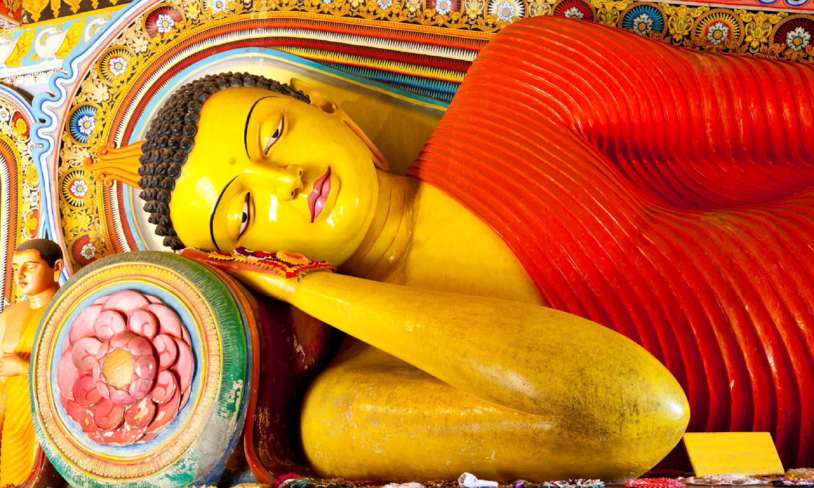 Reclining Buddha in Isurumuniya temple, Anuradhapura (Shutterstock)