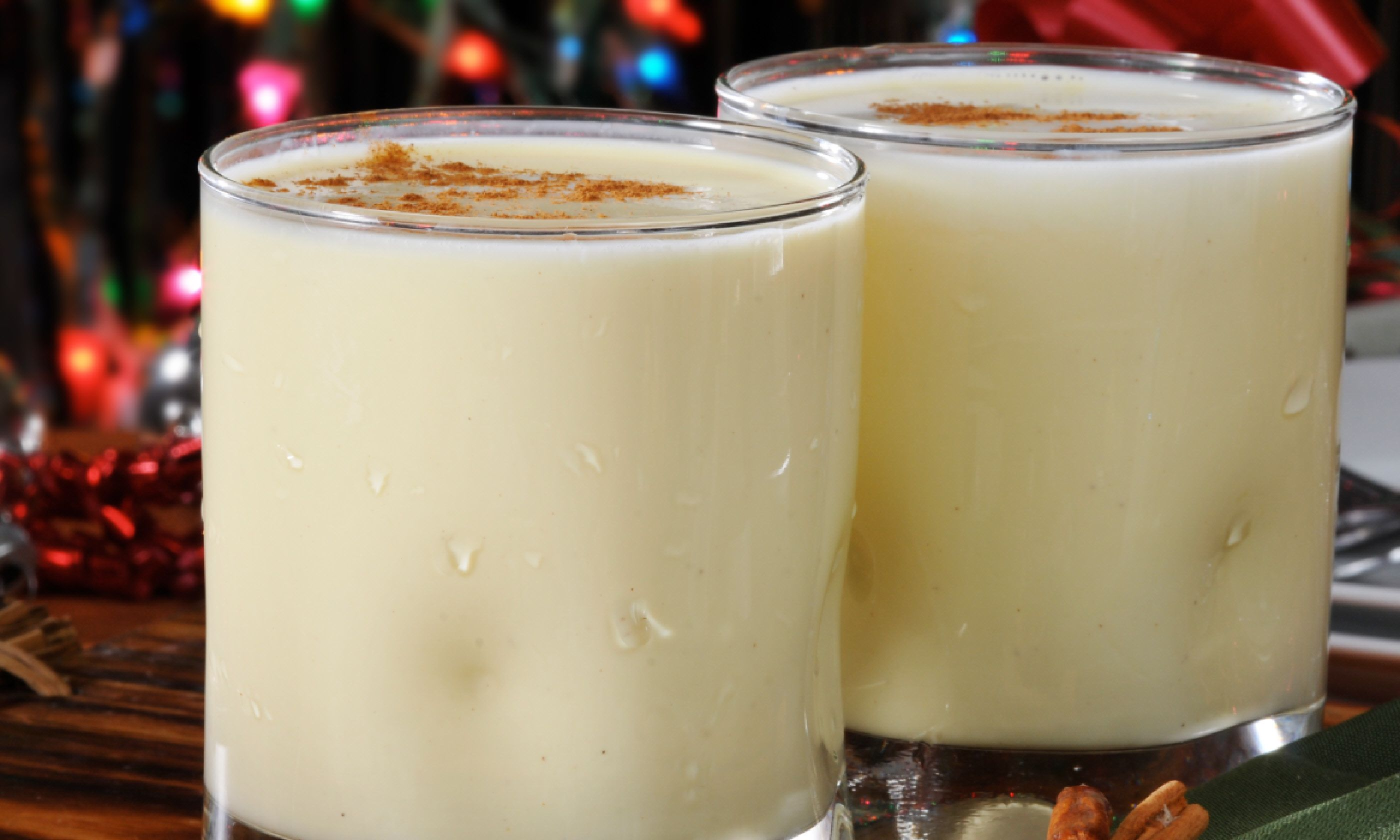 Eggnog with cinnamon sticks (Shutterstock)
