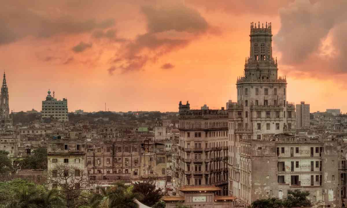 Sunset over Parque de la Fraternidad in Havana, Cuba (Shutterstock)