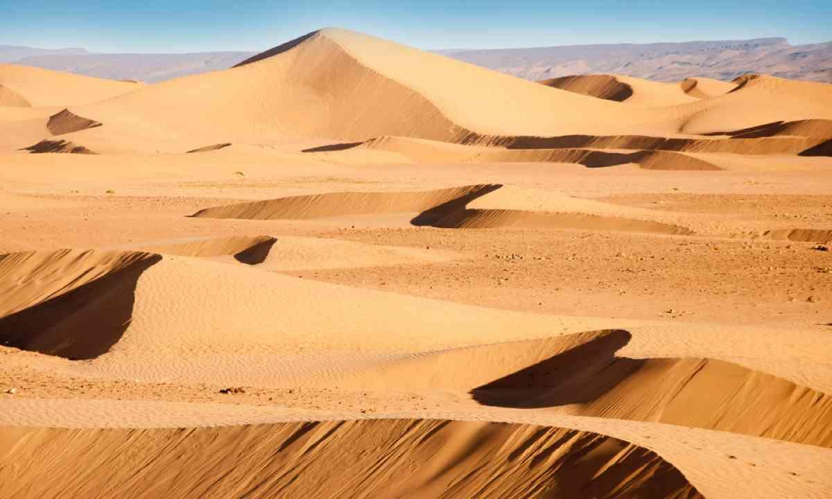 Sand dunes in Morocco, Erg Chigaga, Sahara (Shutterstock)