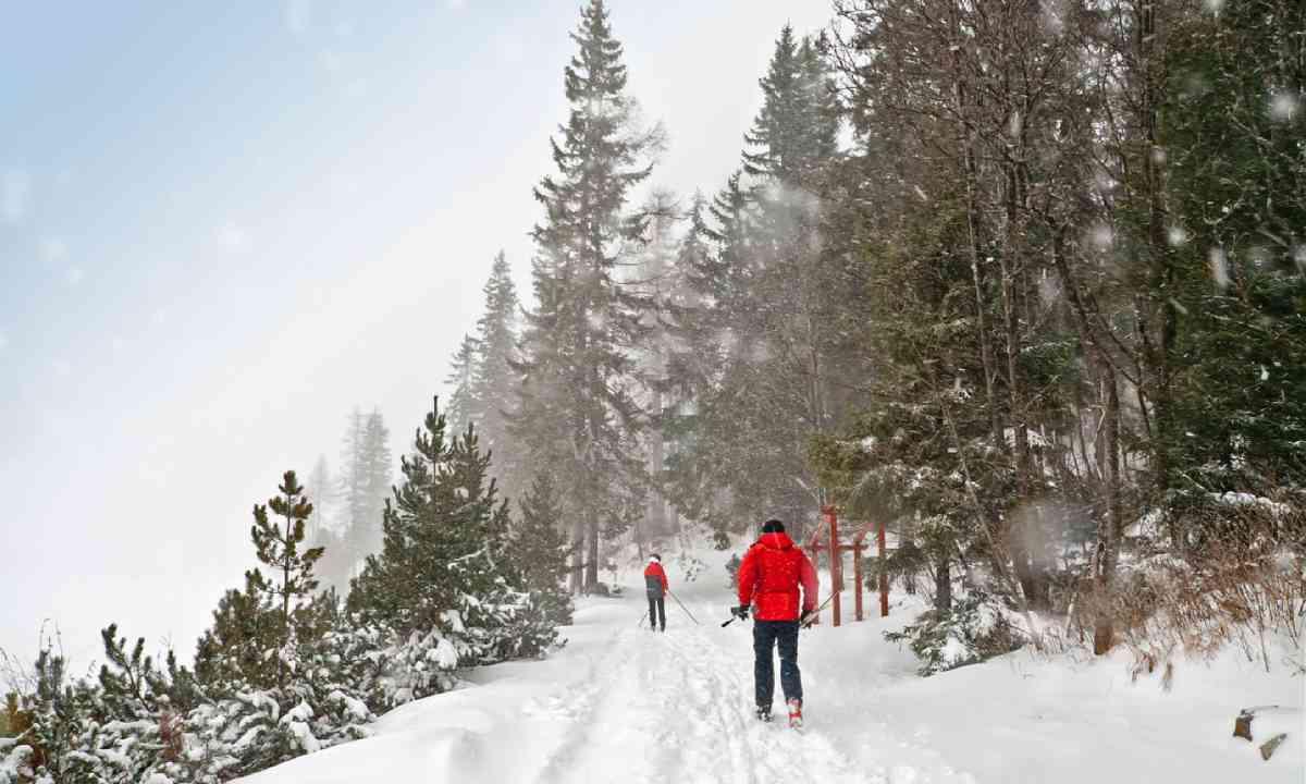 Skiing in High Tatras (Shutterstock)