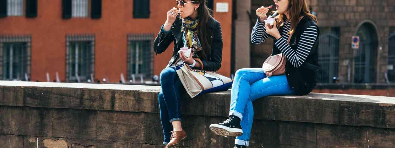 Al fresco eating in Italy (Shutterstock: see credit below)