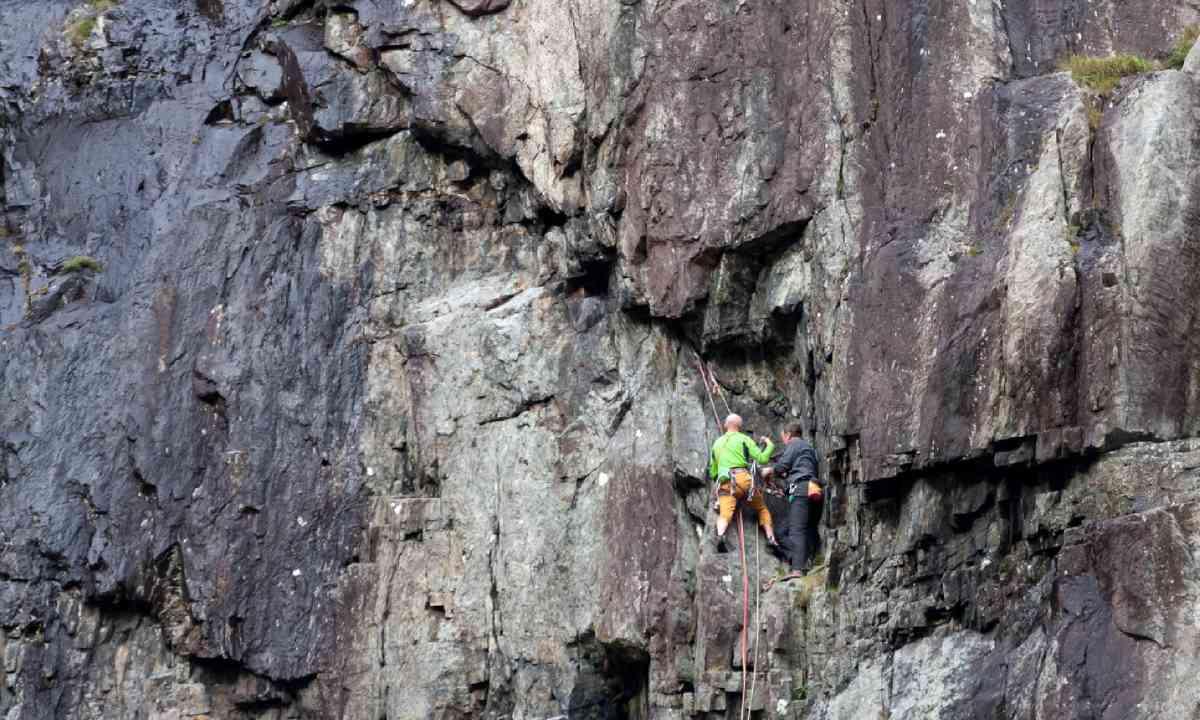 Rock climbing in Snowdonia National Park (Shutterstock)