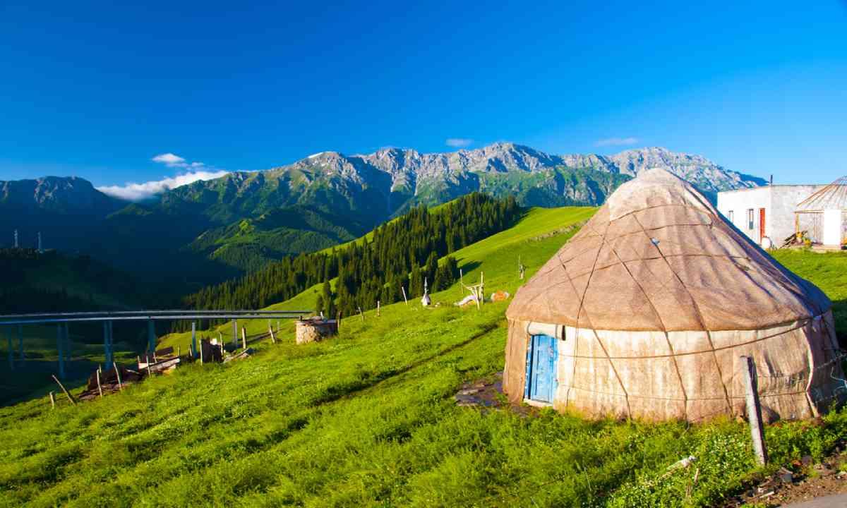 Nomadic yurt, Mongolia (Shutterstock)