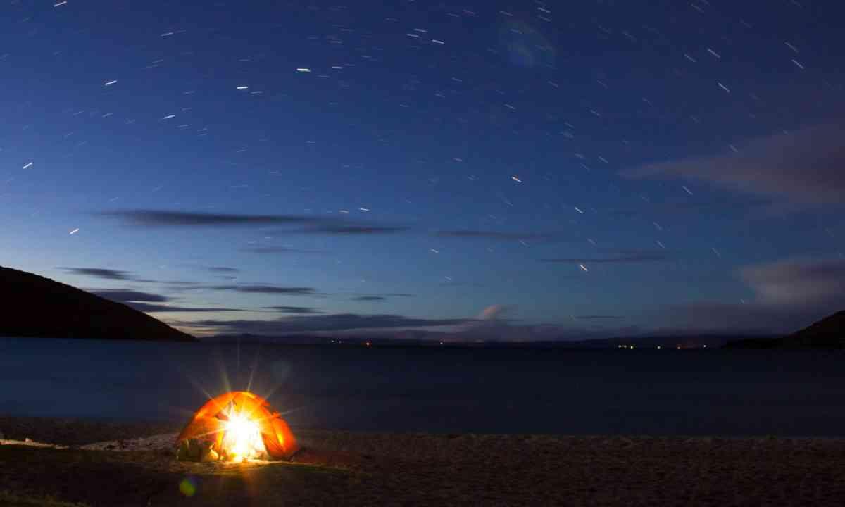 Camping at Titicaca Lake in Isla del Sol (Shutterstock)