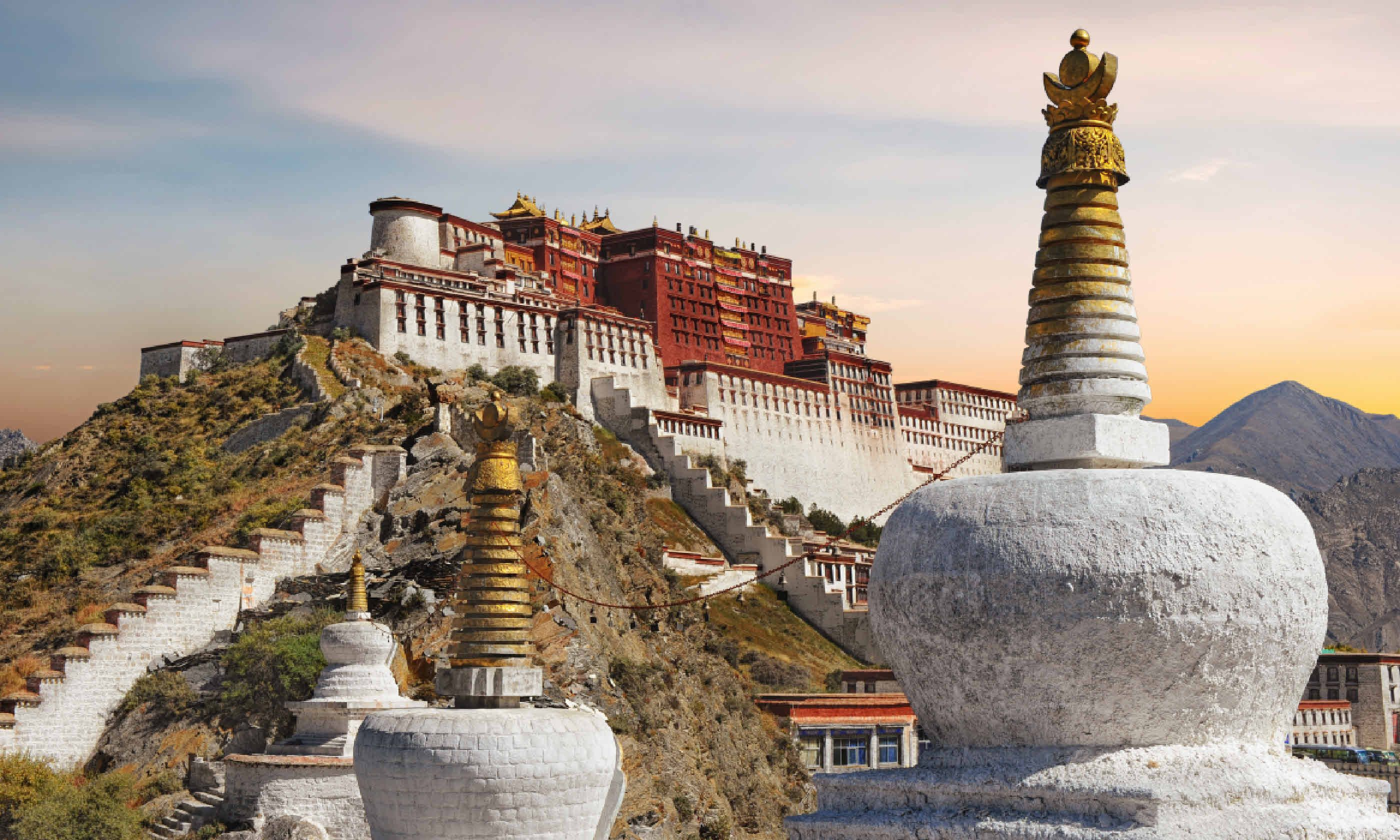 Potala Palace in Tibet (Shutterstock)