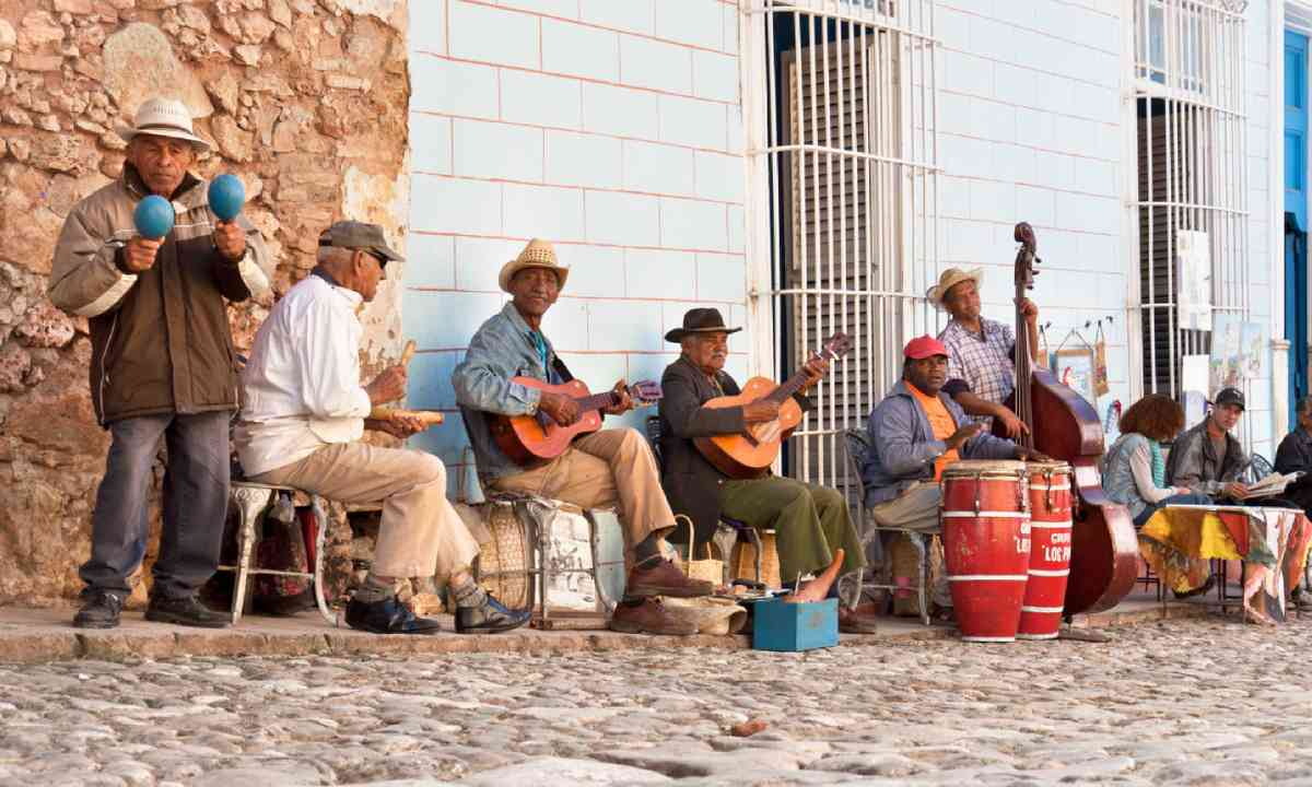 Traditional musicians playing in the streets of Trinidad (Shutterstock)