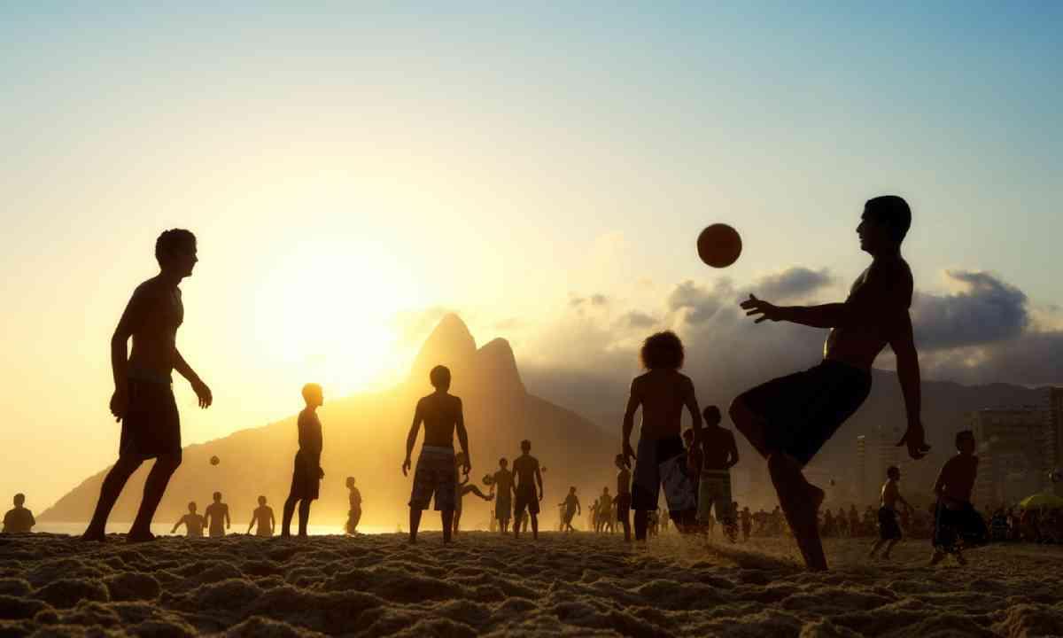 Ipanema Beach, Rio de Janeiro, Brazil (Shutterstock)