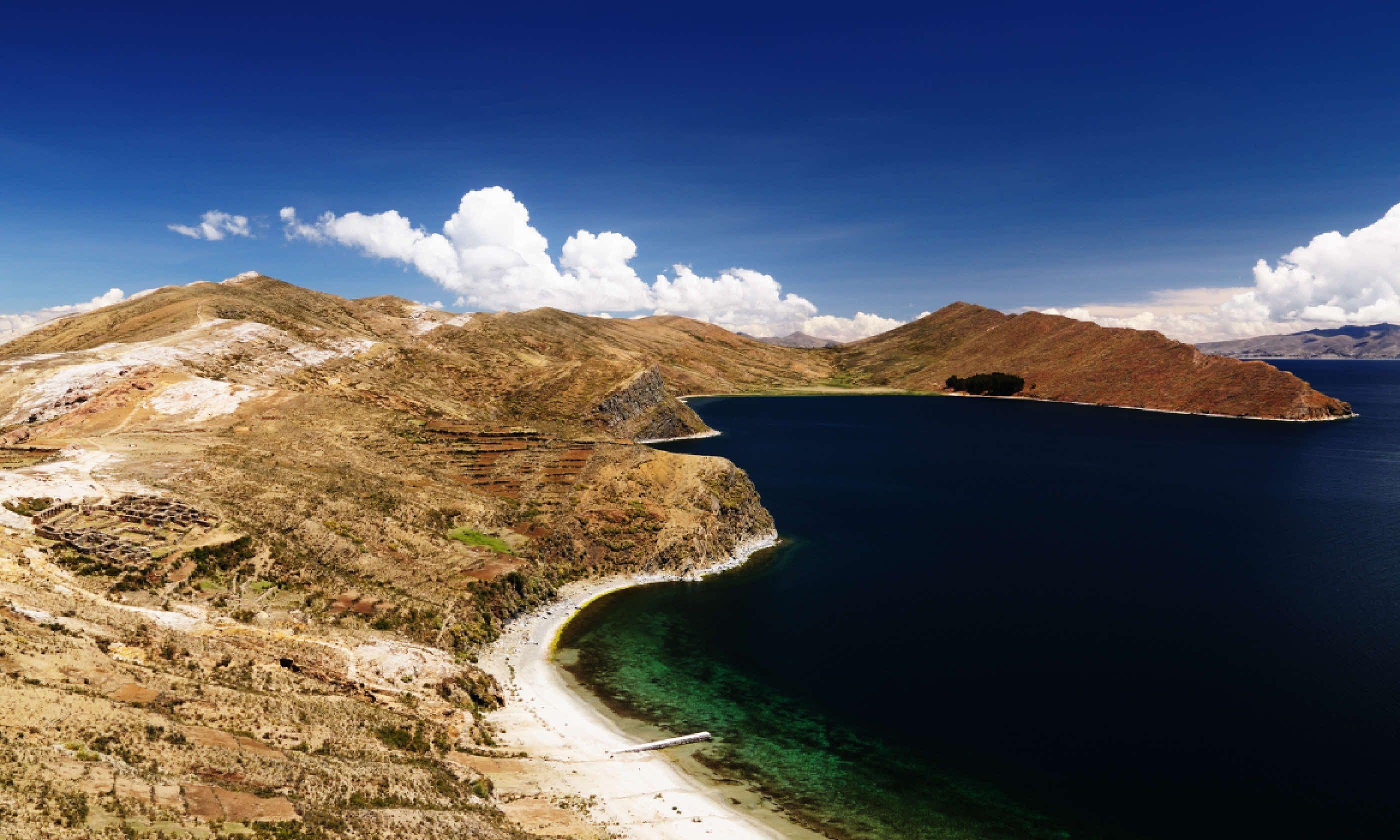 Isla del Sol on Titicaca lake (Shutterstock)