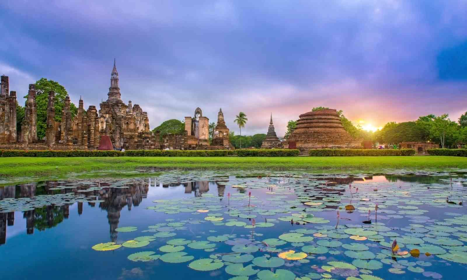 Sukhothai historical park Thailand (Shutterstock)