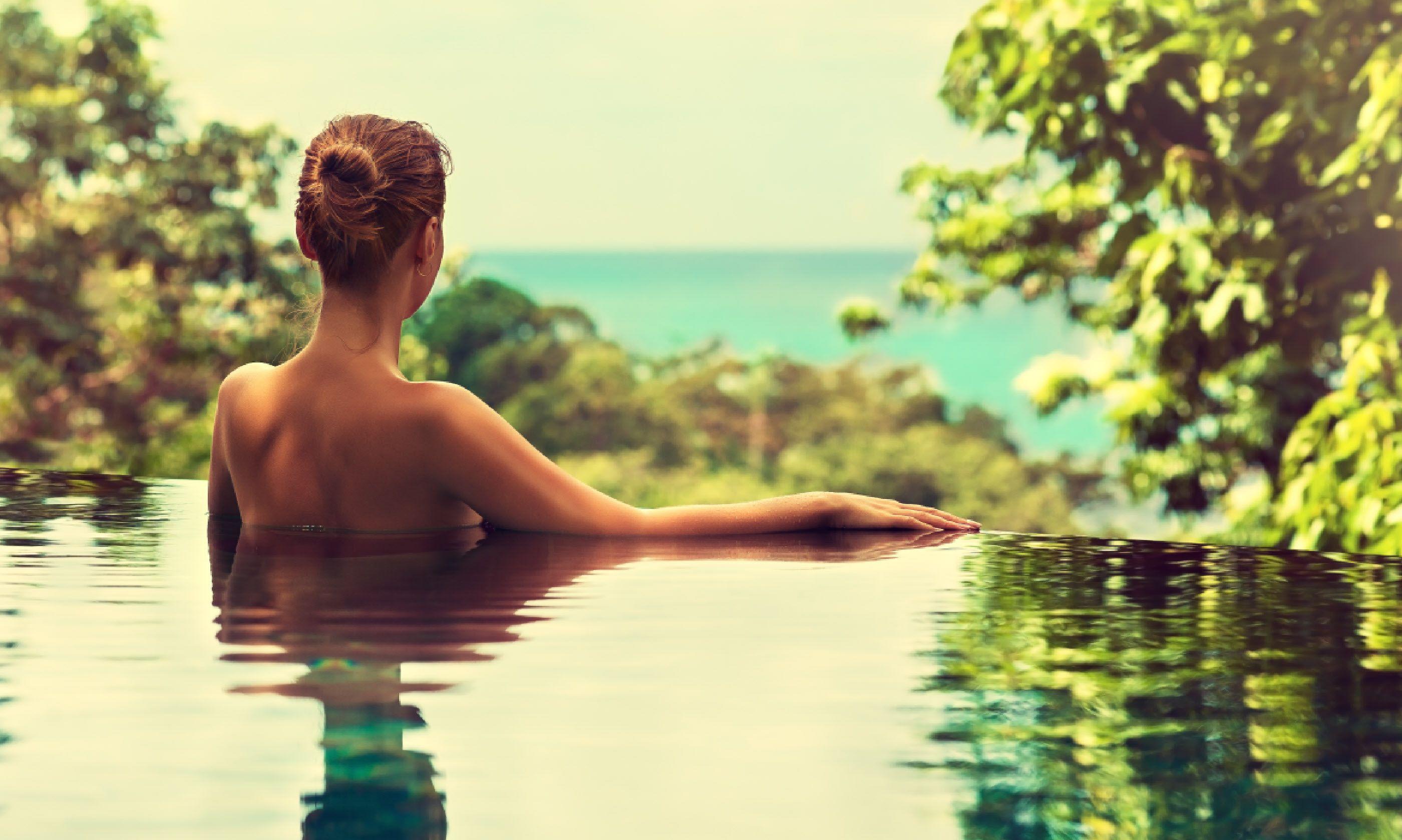 Sunbathing and spa treatments, Bali (Shutterstock)