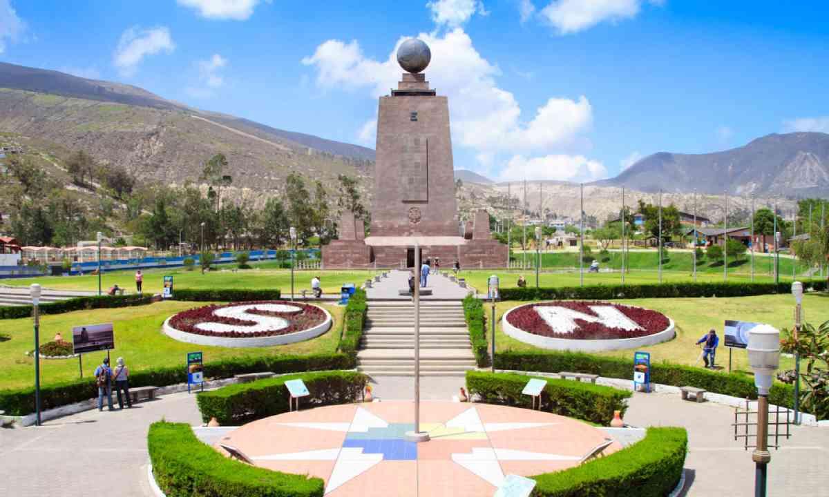 Monument Mitad del Mundo near Quito (Shutterstock)