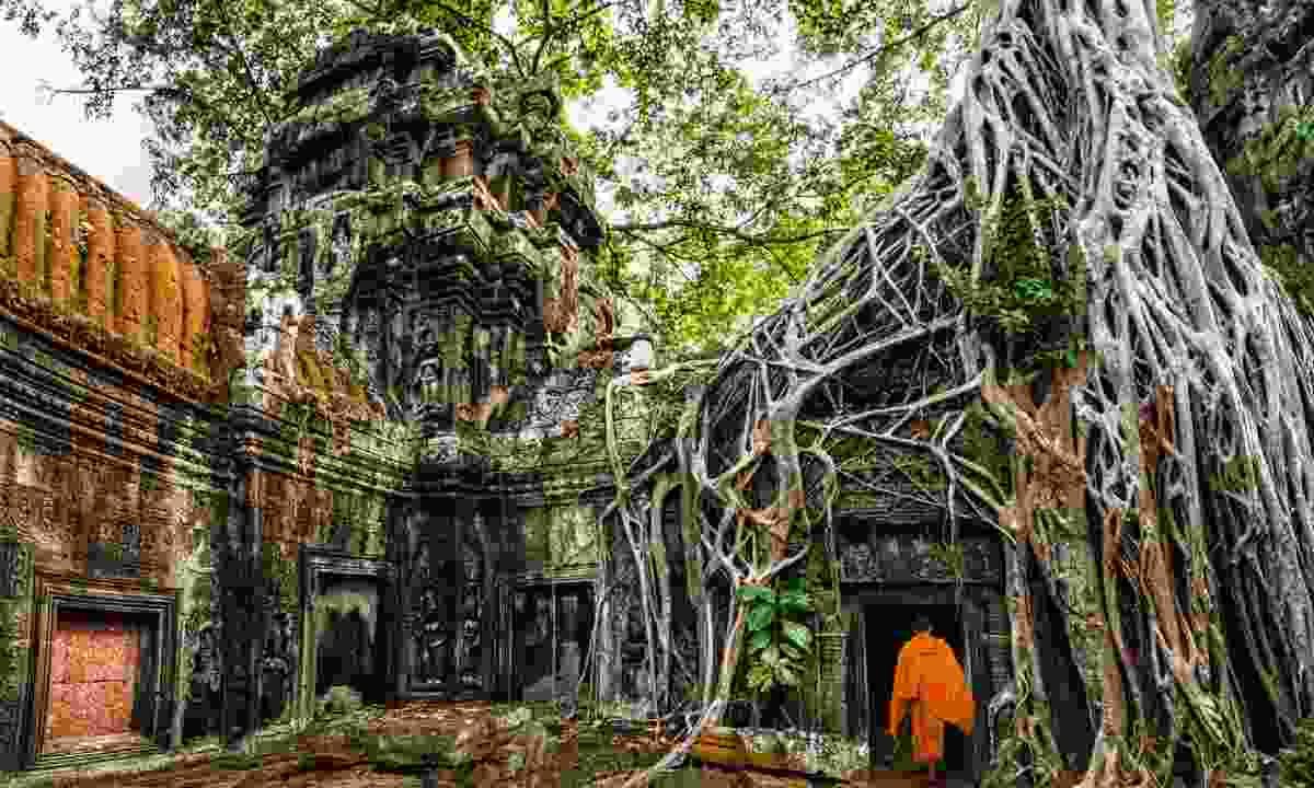 Buddhist monk at Angkor Wat (Shutterstock)