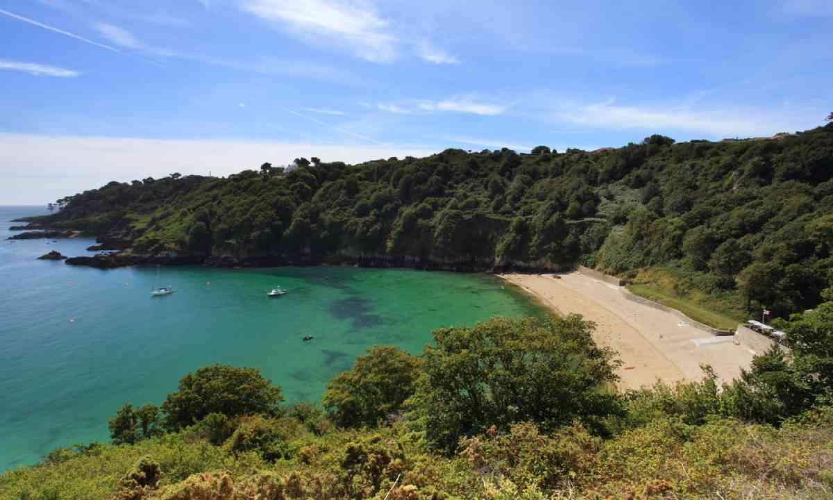 Fermain Bay, Guernsey (Shutterstock)