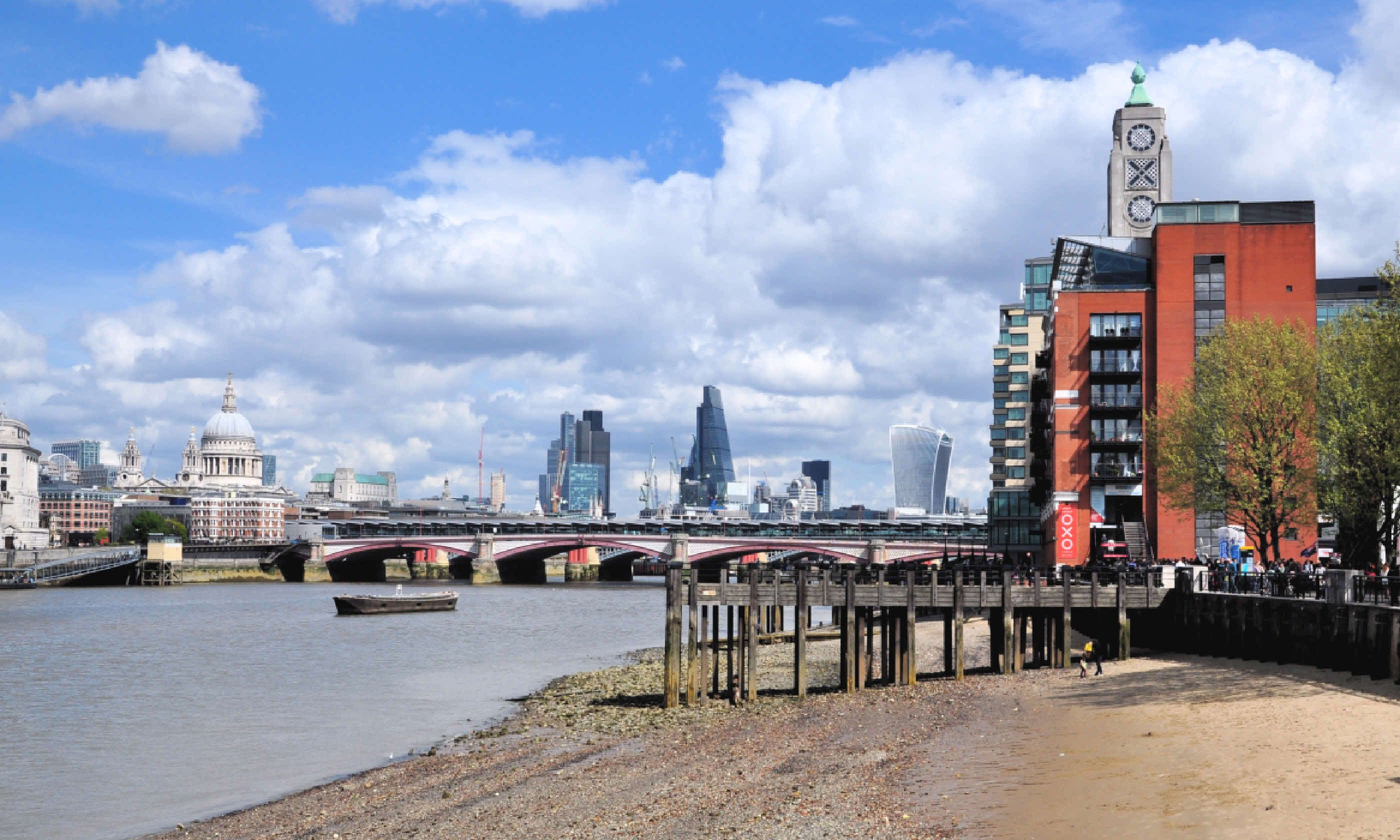 Low tide on the River Thames (Shutterstock)