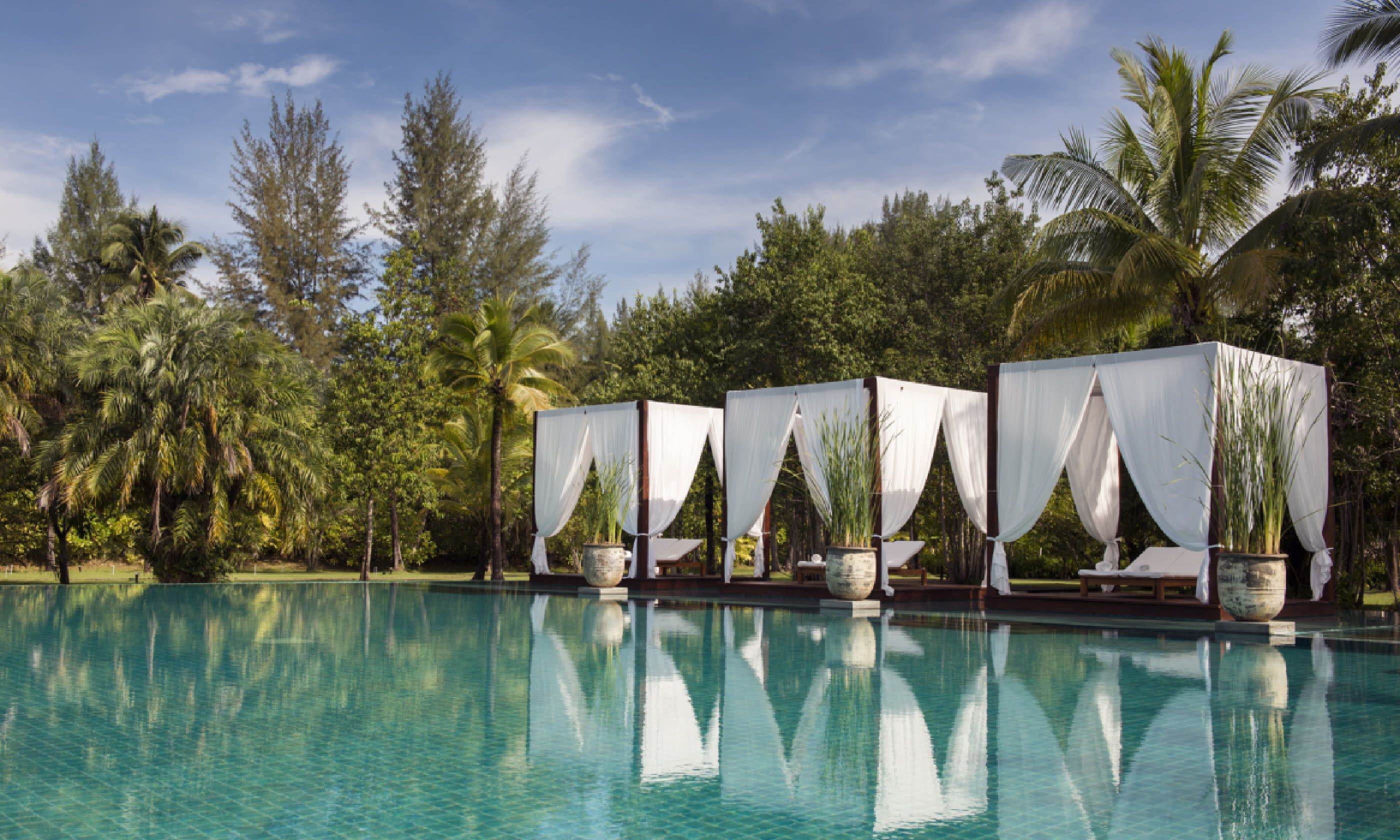 6 Thailand hotels that help the community