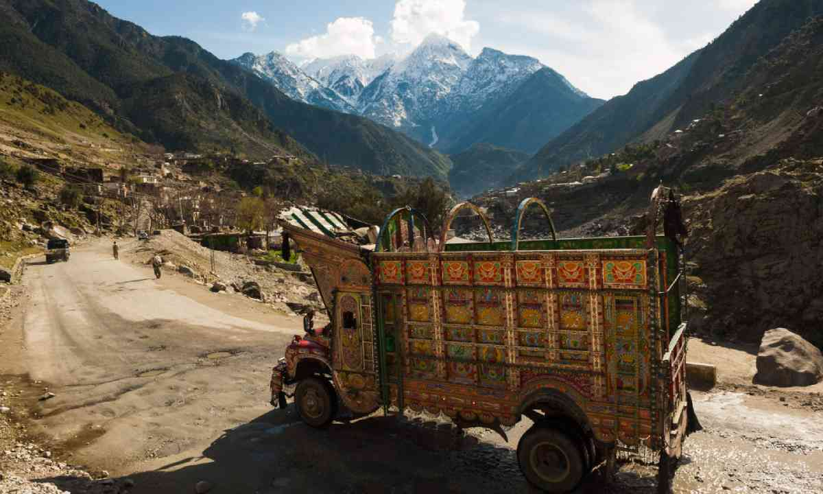 Karakoram mountain range (Shutterstock)