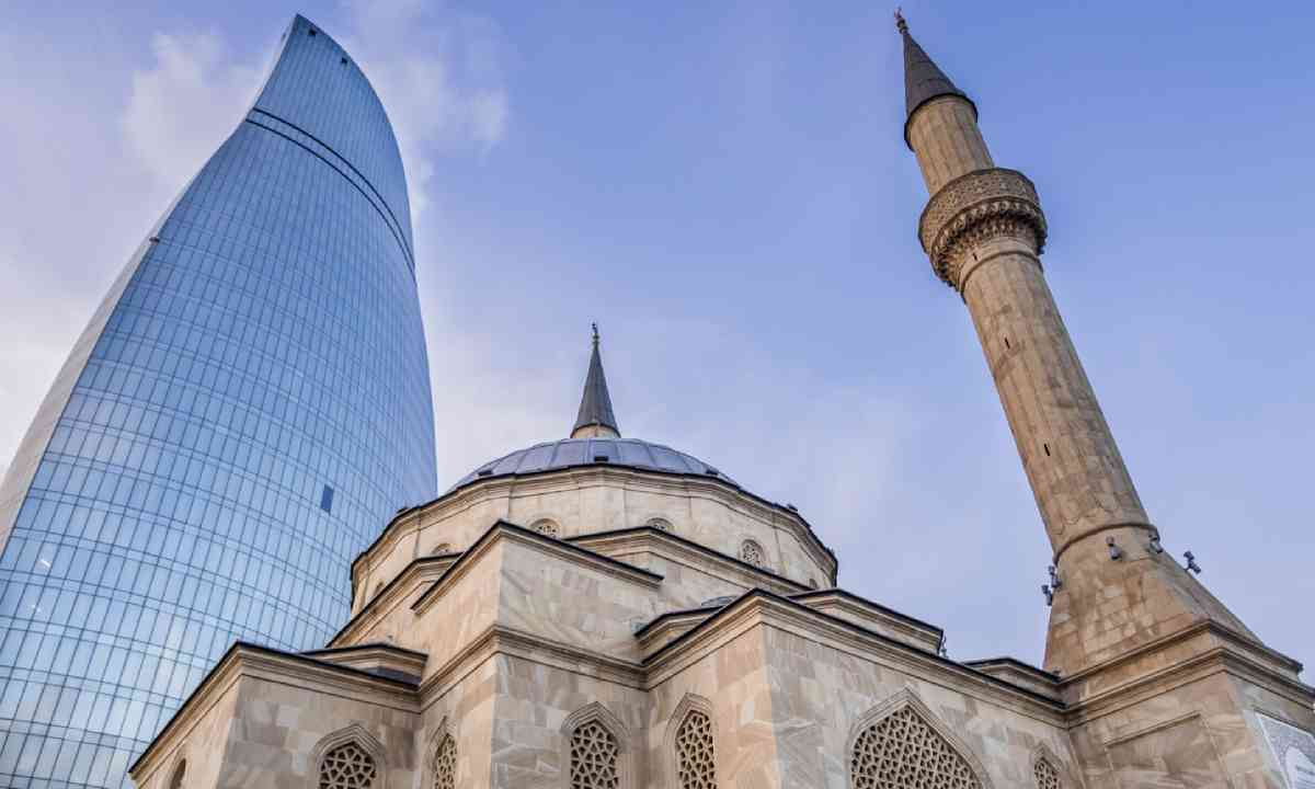 The Mosque of the Martyrs, Baku (Shutterstock)