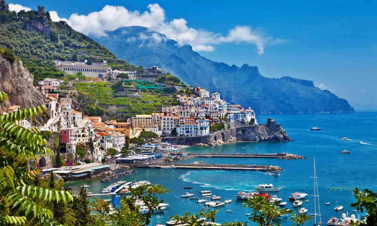 Amalfi (Shutterstock)