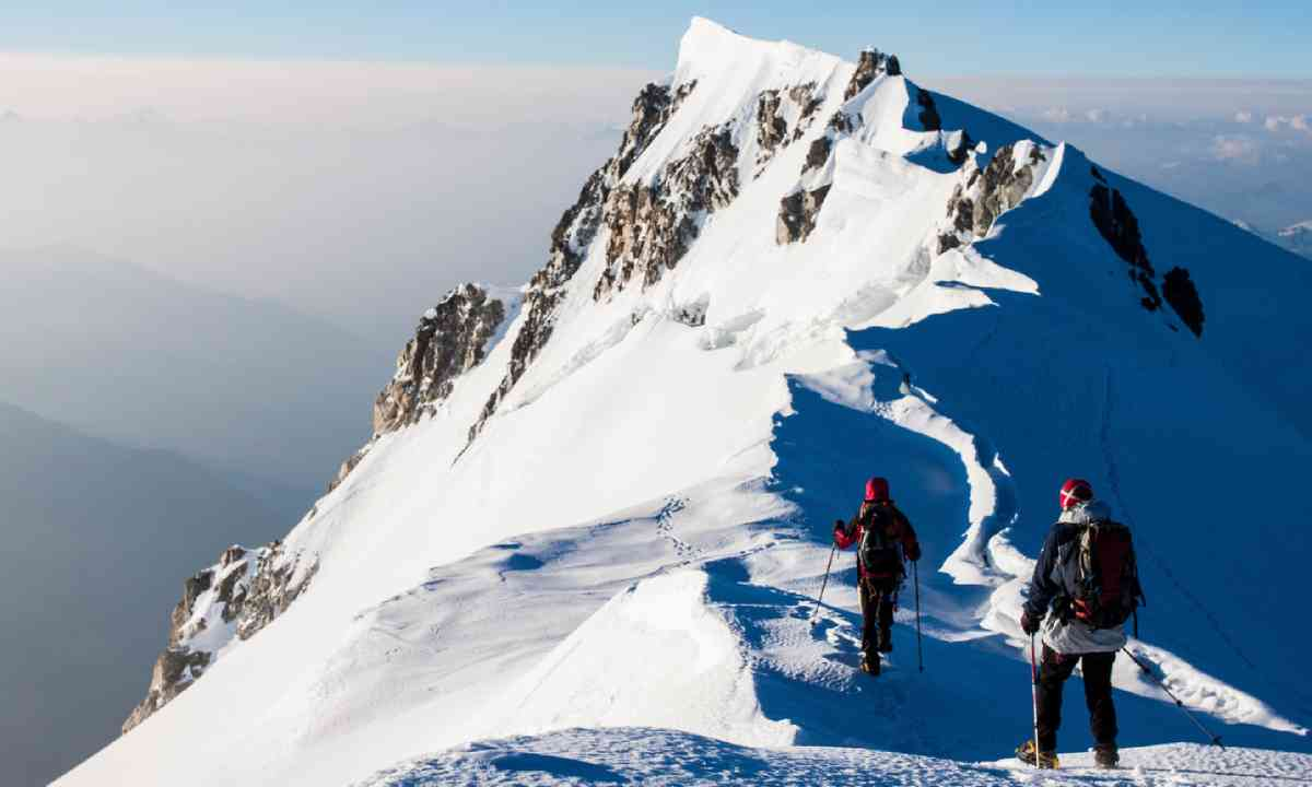 Climbers in the Alps (Shutterstock)