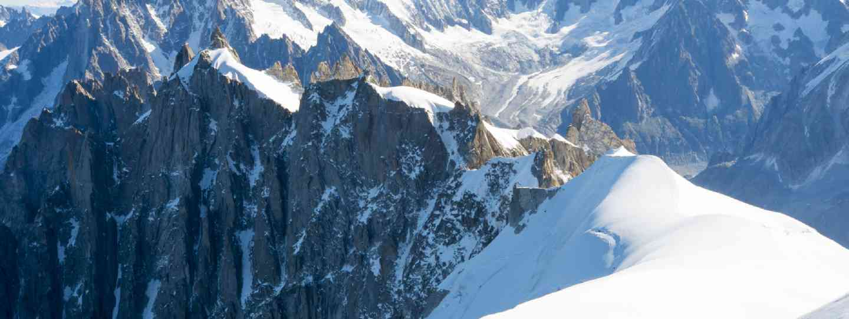 Mont Blanc mountaineers (Shutterstock)