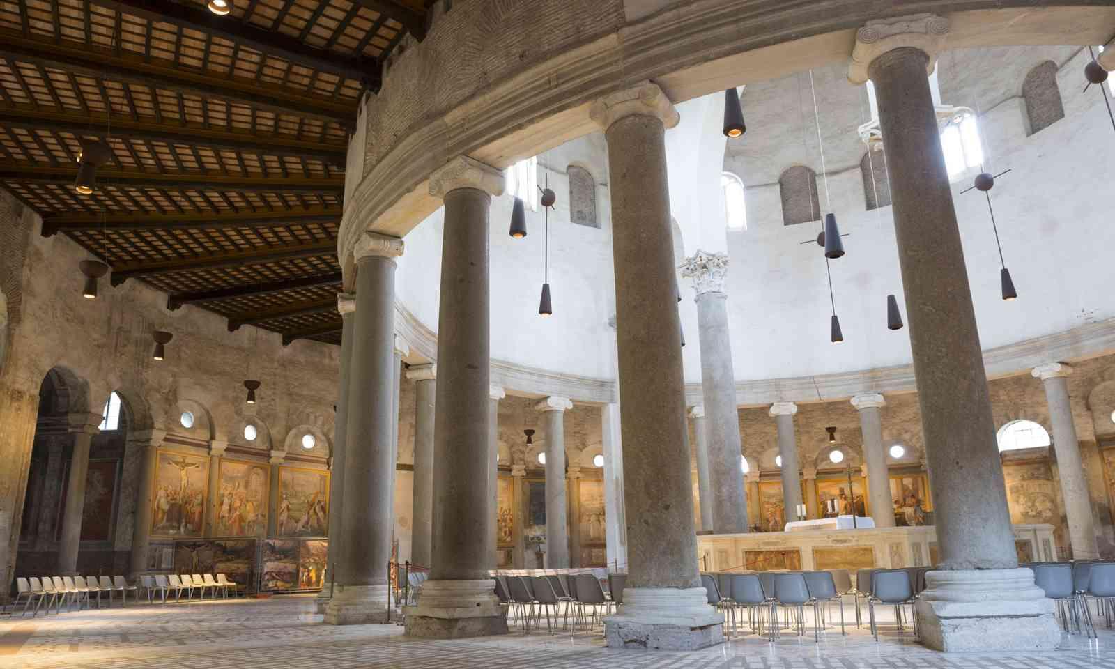 Interior of Santo Stefano Rotondo Basilica (Shutterstock.com)