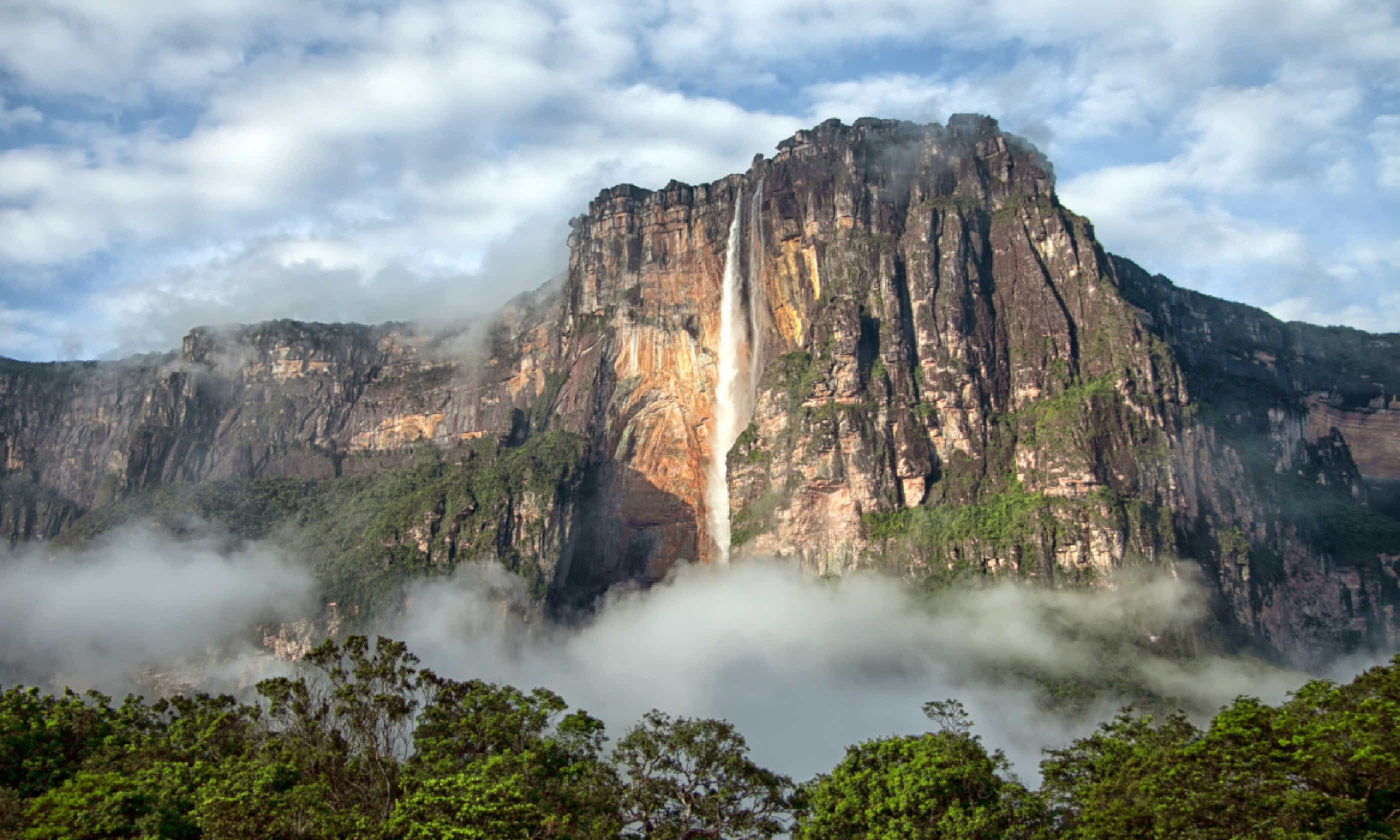 Salto Angel in the morning light (Shutterstock)