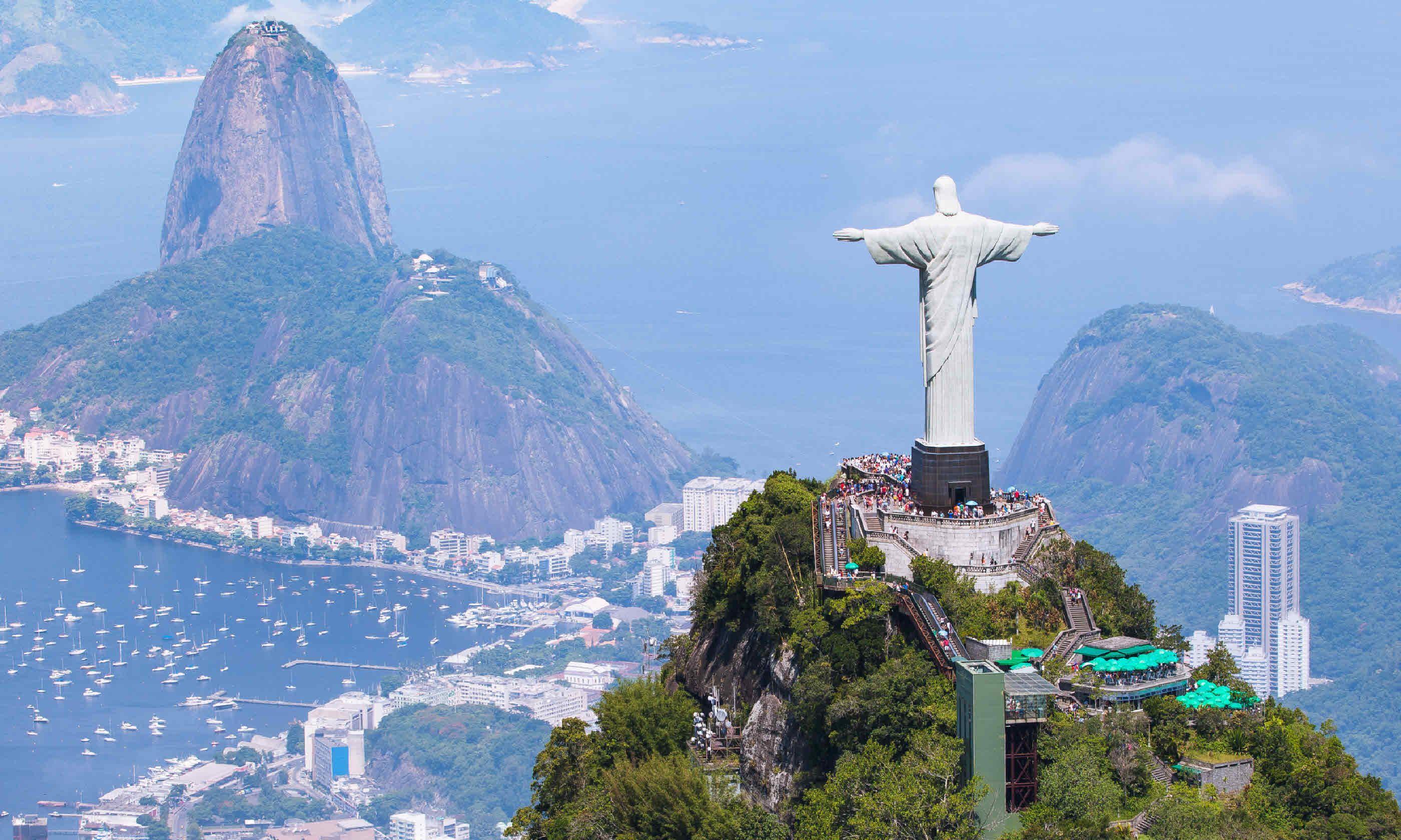 Aerial view of Rio de Janeiro (Shutterstock)