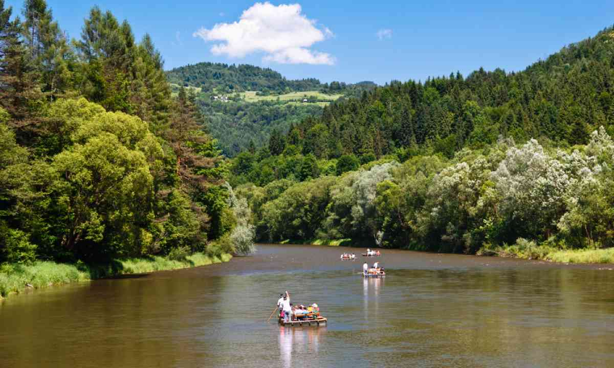 Rafting on The Dunajec River (Shutterstock)
