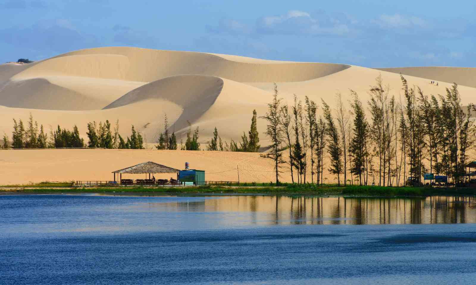 White sand dune in Mui Ne, Vietnam (Shutterstock)