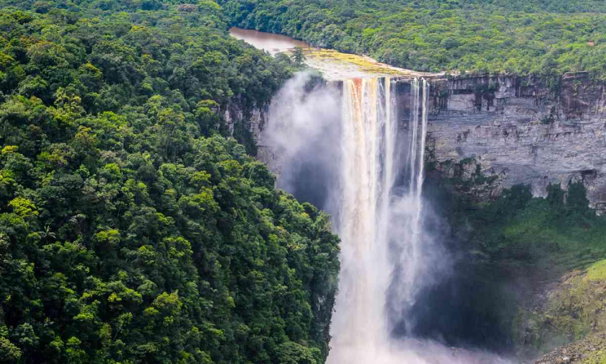 Kaieteur Falls (Shutterstock)